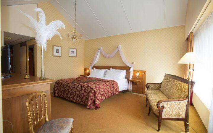 Apeldoorn Sisi hotelkamer bij hotel de Keijzerskroon. © Maarten Sprangh