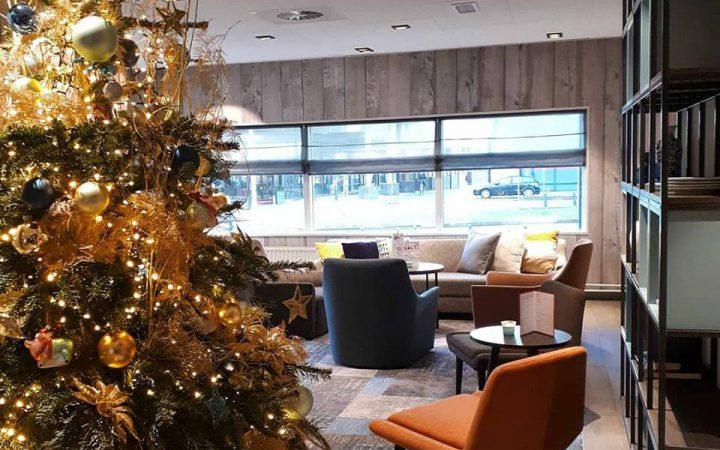 Europa Hotel Scheveningen met een prachtige kerstboom
