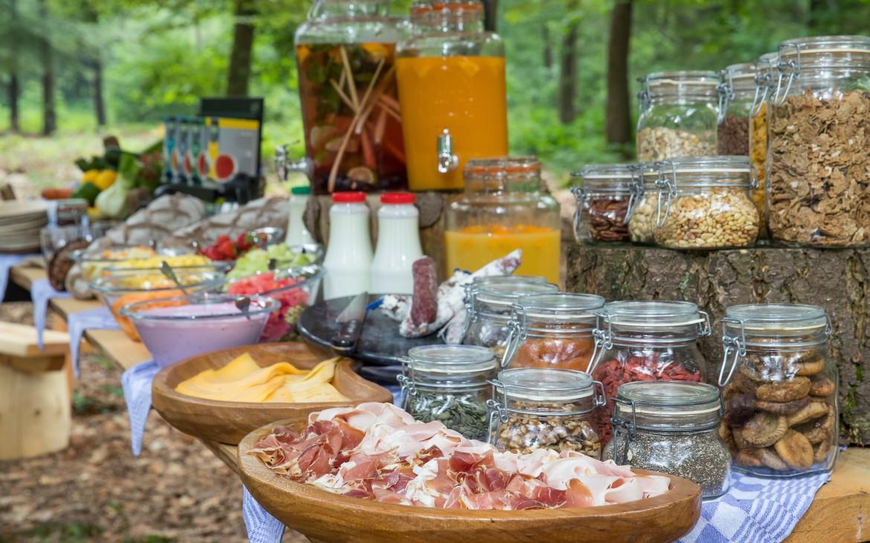 ontbijt buffet buiten natuurlijk vers